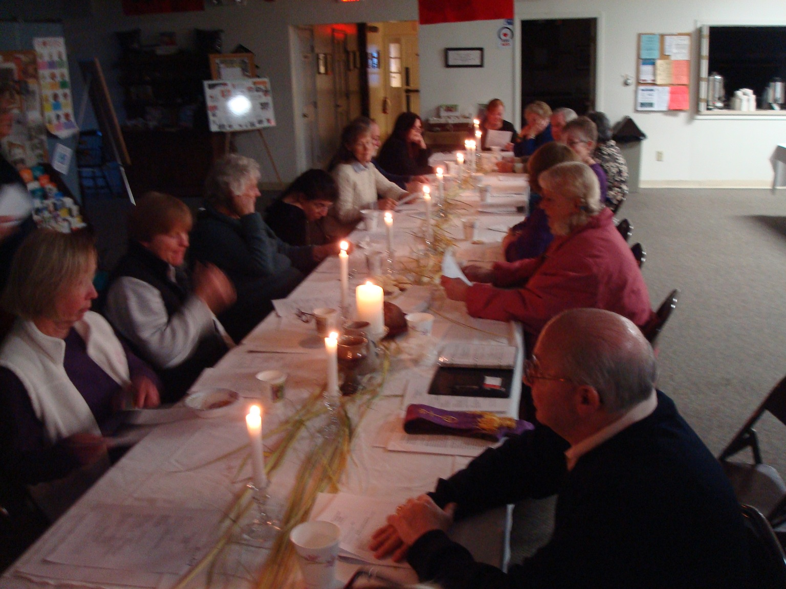 images/stories/HeaderImages/Frame2/LentenCommSupper2012.JPG
